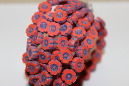 Hawaiian flowers 8 mm shine/blue